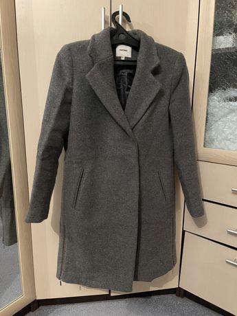 Продам пальто. Котон. Цена 8 тыс тг. Торг. Размер 42-44.
