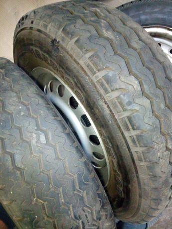 Продавам перфектни гуми с джанти за ремарке 165/13С грайфер почти 9 мм