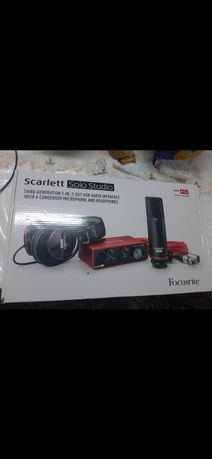 Focusrite звук карта, микрофон+шнур, наушник, стойка, фильтр