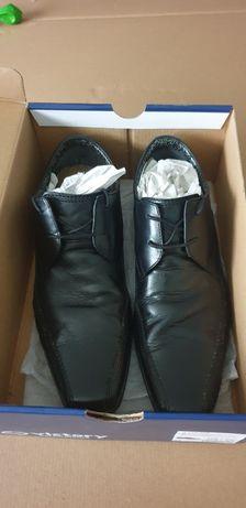 Vând pantofi bărbătești de piele nr 44 Clarks