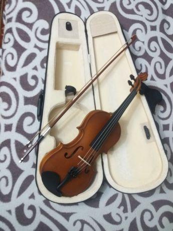 Продам 1/2 скрипку в отличном состоянии