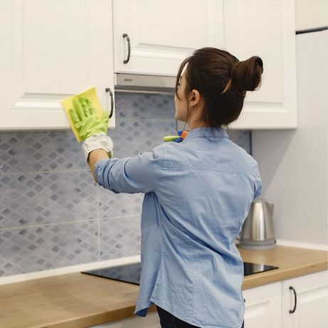 Клининговая компания  Aina_cleaning предлагает услуги по уборке