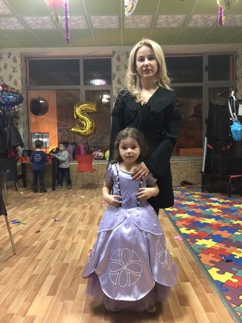 Страхотна рокля за модерни танци и рокля еднорог за повод