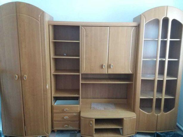 Шкаф продается гостинный гарнитур