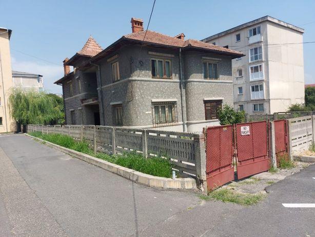 Casa + Teren zona Traian Valcea