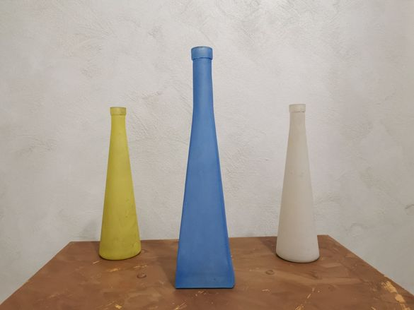 Цветни стъклени вази