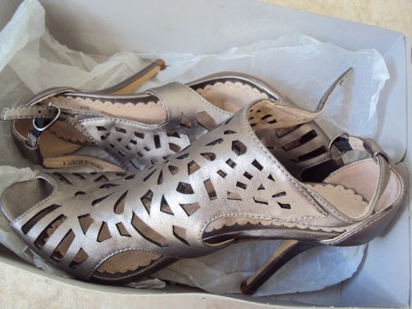 Продавам елегантни обувки