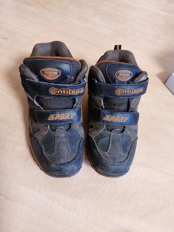 Ботинки осенние, размер 33.