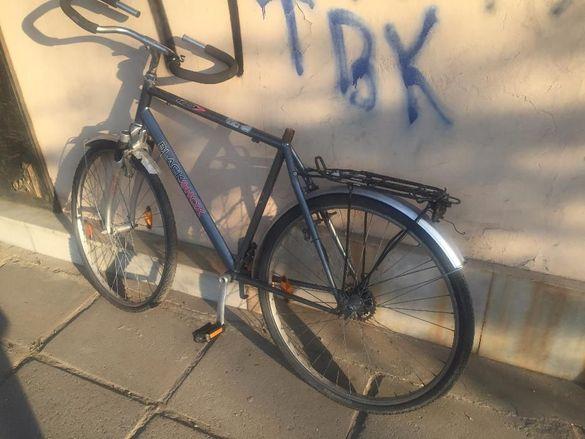 швейцарски велосипед ,гума и каски