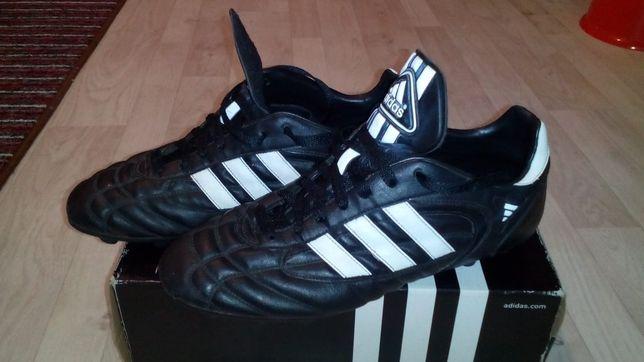 Продам бутцы, Adidas, б/у, бегать и пинать мяч еще можно!!!