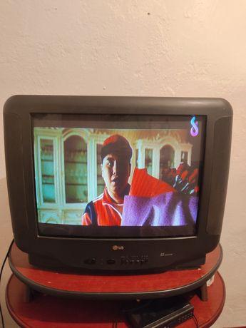 2 Телевизор сатылады