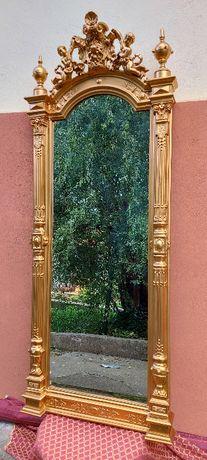 Oglinda cu consola
