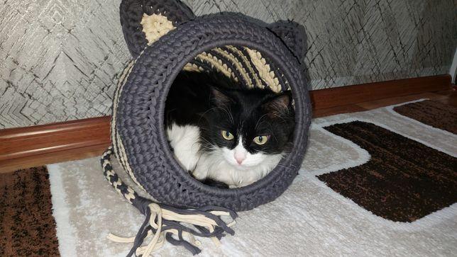 Вязаный домик для кота