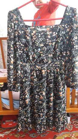 Продам платье шифоновое размер s новое