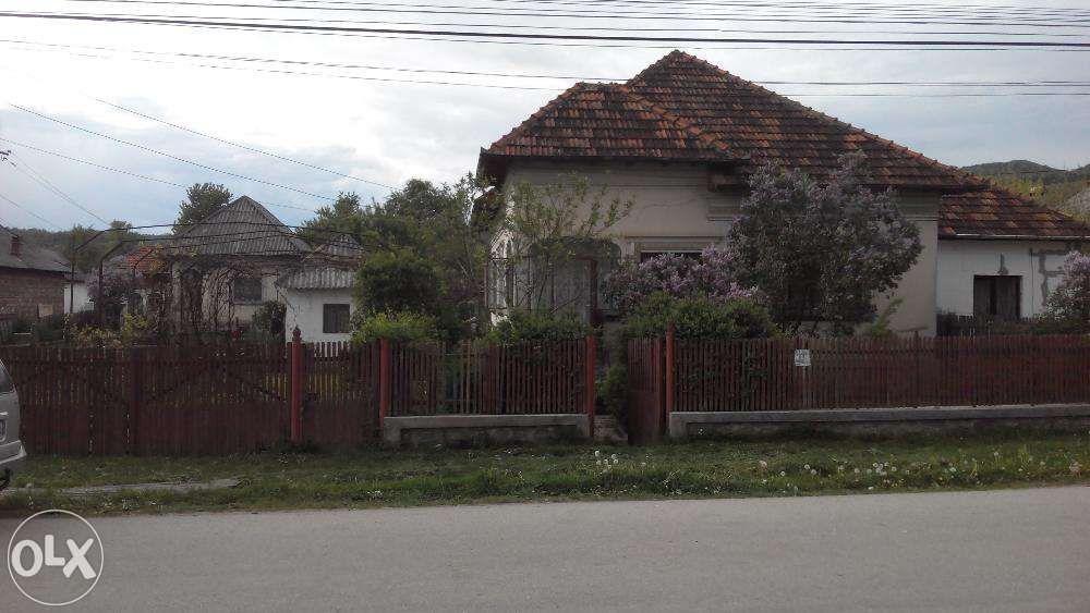 Vand/Schimb casa Slanic/Arges(Curtea de Arges/Campulung) Aninoasa - imagine 1