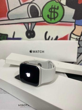 продается apple watch SE 40mm