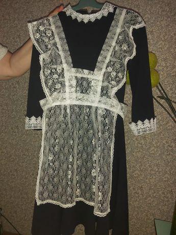 Срочно продам школьное платье и фартук