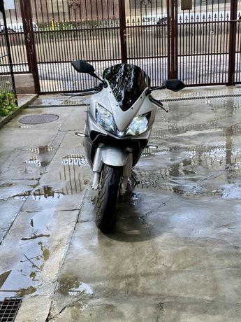 Honda CBR F4i - injectie