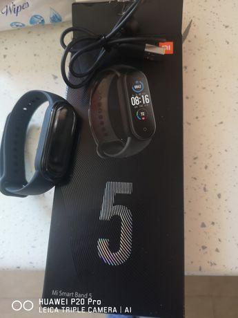 Продавам Mi smart band 5
