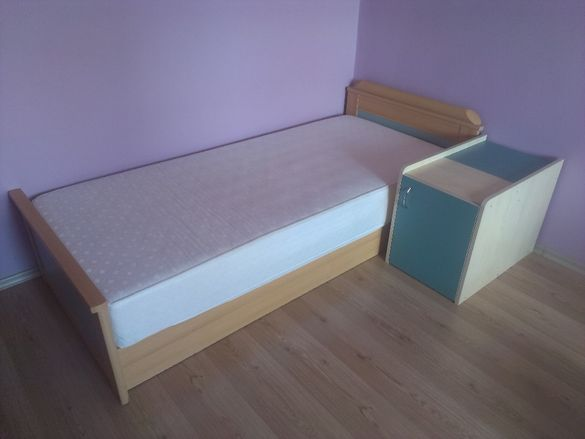 Детско шкафче за дрехи и завивки с две секции