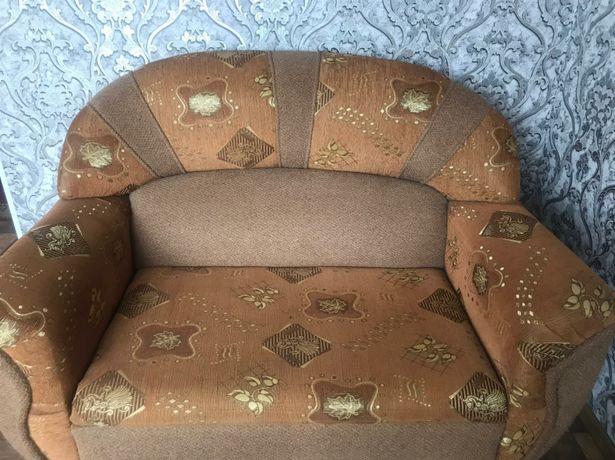 Продам диван тройку