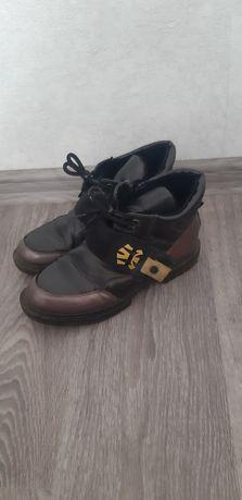 Продам ботинки на девочку