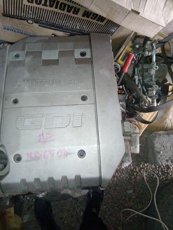 Продам двигатель по запчастям Митсубиси диамант 6g72GDI 3.0