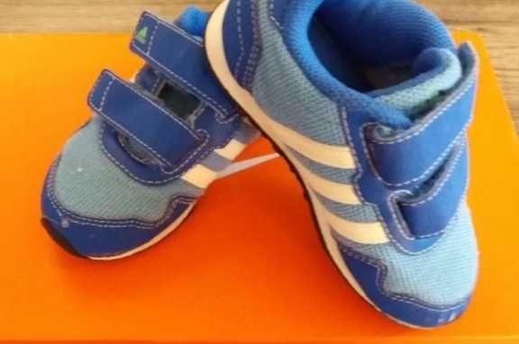 Детски оригинални маратонки на Адидас размер 25-30лв