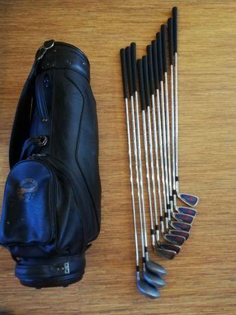 Пълен комплект голф стикове Wilson с чанта