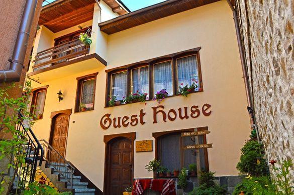 Нощувка, стая, студио, апартамент, къща, хотел в центъра на Чепеларе