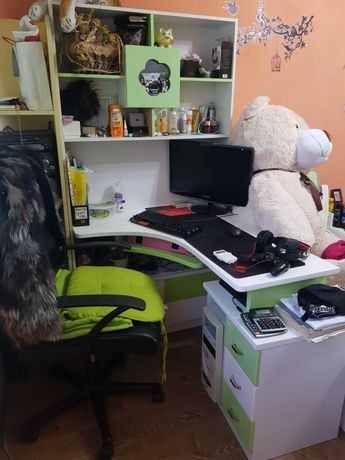Бюро за момиче много запазено