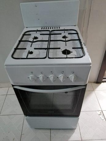 Продам Газ плиту