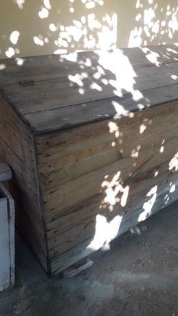 Ларь (ящик) для сыпучих кормов и т.д