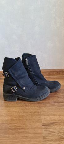 Ботинки демисезонные для девочки. 34 размер