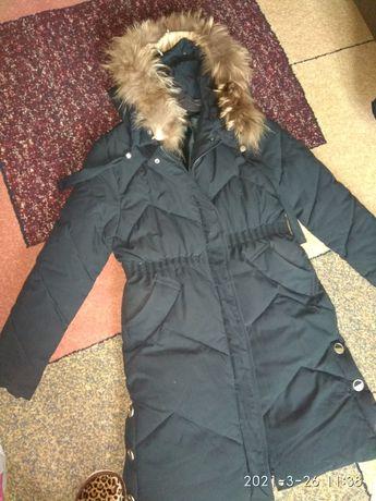 Зимняя куртка пуховик 46-48размер