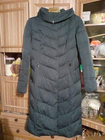 Пальто тёплое на синтепоне в хорошем состоянии..