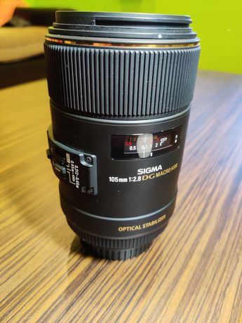 Obiectiv macro Sigma 105mm f2.8 DG MACRO HSM - montură Canon