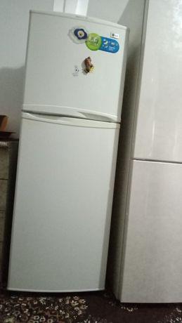 Продам холодильник в очень хорошем состоянии