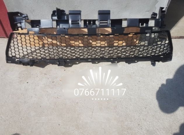 Grilă inferioară nouă Dacia Logan 2, Sandero,Sandero Stepway 2013-2017