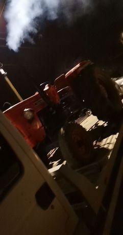Vând tractor 55 de cai putere