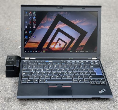 Лаптоп Lenovo ThinkPad X220