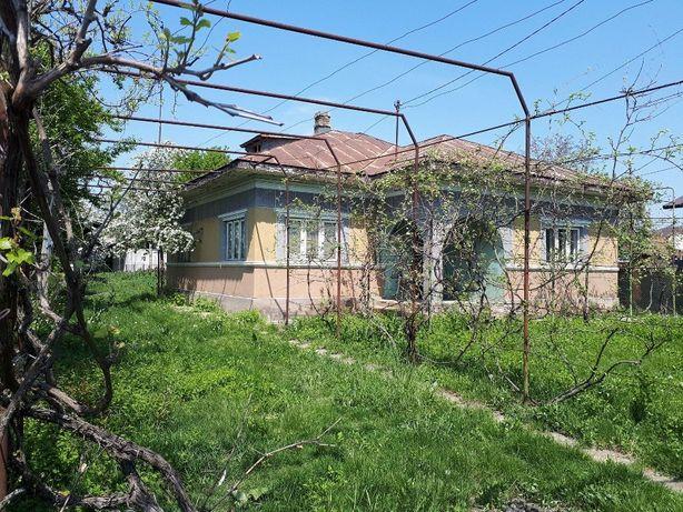 Casa si teren Peris