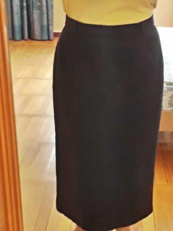 Юбка черная 100%  шерсть. Мягкая ткань. Прямая классика. Размер 48-50