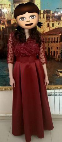Продам платья красивое одевала только один раз в отличном состоянии