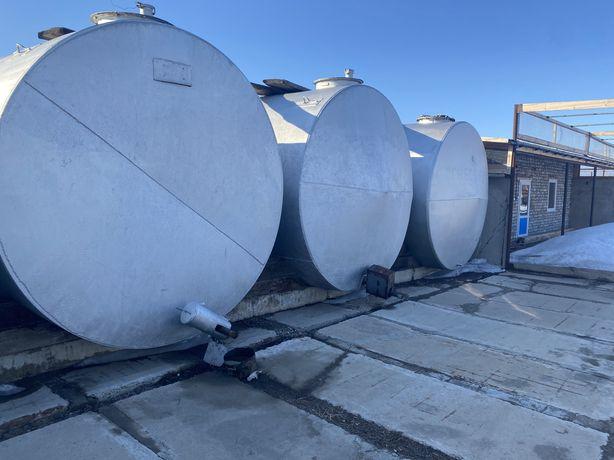 Продам резервуары 25 кубовые