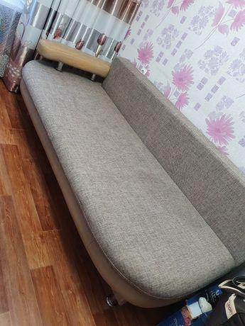 Продам тахту диван