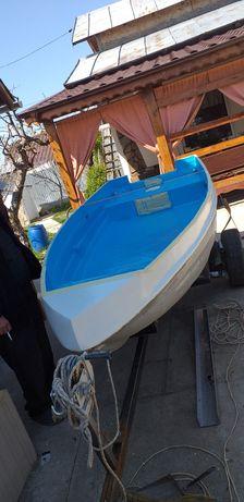 Barca,motor si peridoc de vanzare