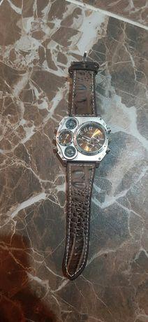 Продам часы наручные срочно