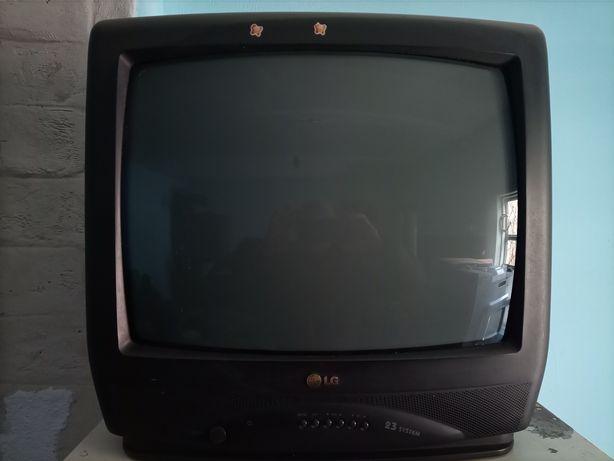 Телевизор LG ( не большой)