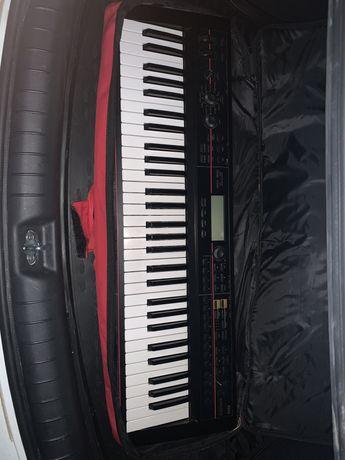 Синтезатор Korg Kross проефссиональный